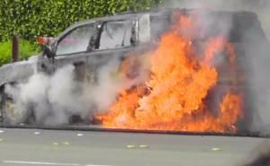 GMC Yukon 2015 catches fire