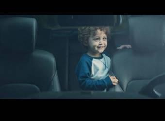 سيارات هونداي تقلد سيارات جمس وتحمي الأطفال من إهمال آبائهم
