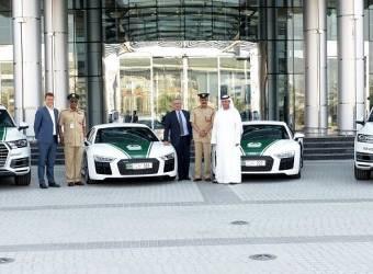 R8 و Q7 تنضمان إلى أسطول سيارات شرطة دبي