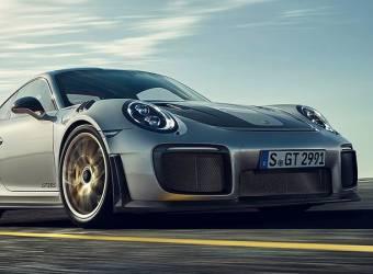 سائق بورش 911 GT2 RS الجديدة يفشل في الدريفت أمام الجماهير