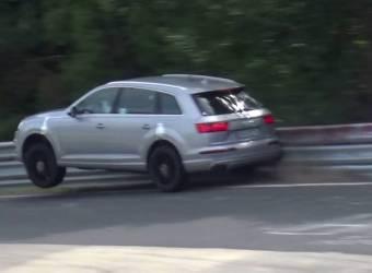سائق تجارب يصدم اودي SQ7 2016 أثناء اختبارها