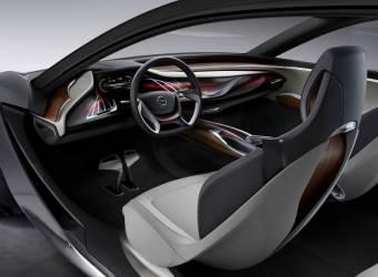 اوبل كروس لاند اكس سيارة جديدة ستتوفر في منطقتنا العربية