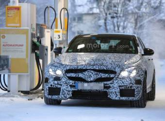 مرسيدس AMG E63 2017 تظهر في محطة وقود