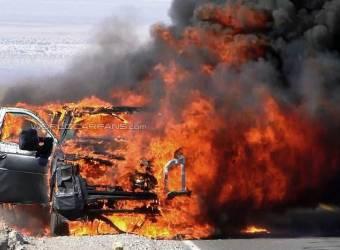 انفجار سيارة فورد سوبر ديوتي واحتراقها بالكامل في وادي الموت