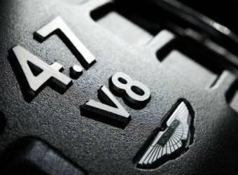 تعاون استون مارتن و مرسيدس لتطوير محركات V8