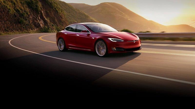 سعر أسرع سيارة إنتاج تجاري في العالم ينكشف