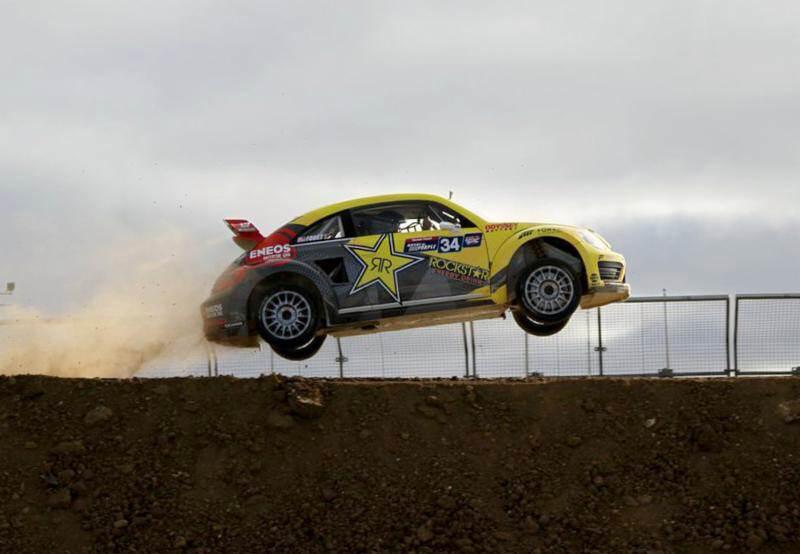 فولكس فاجن بيتيل تشارك في سباق رالي كروس