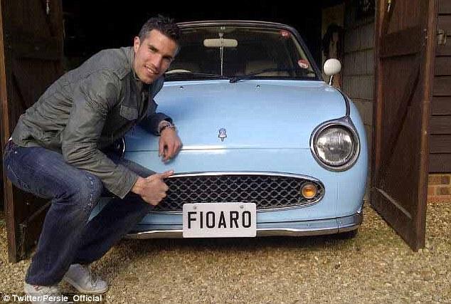 اللاعب الهولندي روبين فان بيرسي يمتلك نصف دزينة من السيارات