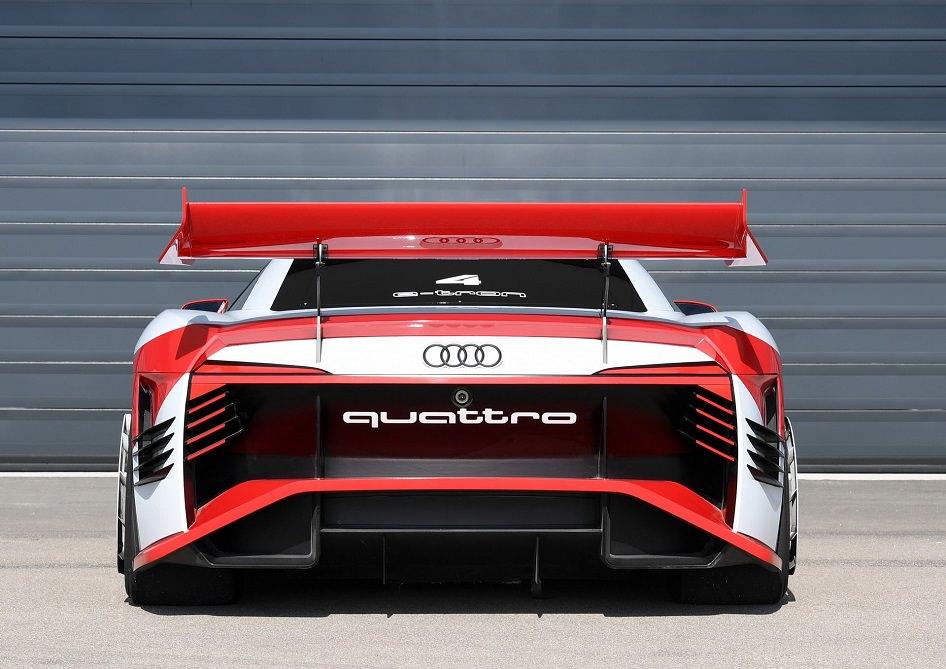 سيارة كهربائية رياضية