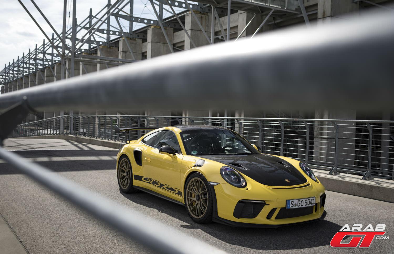 سيارة بورش 911 GT3 RS Weissach
