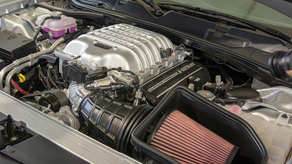 محرك هيمي V8