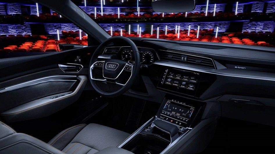 سيارة اودي E Tron 2020 المتطورة القادمة تشوقنا مع صورا رسمية تكشف عن ما بداخلها