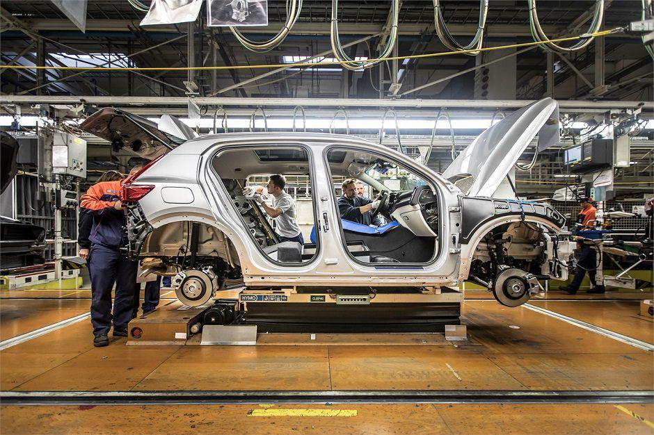 مصنع سيارات في الاردن