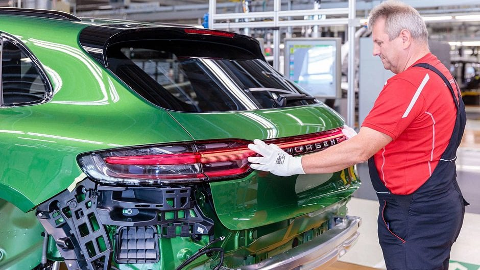 مصنع سيارات بورش