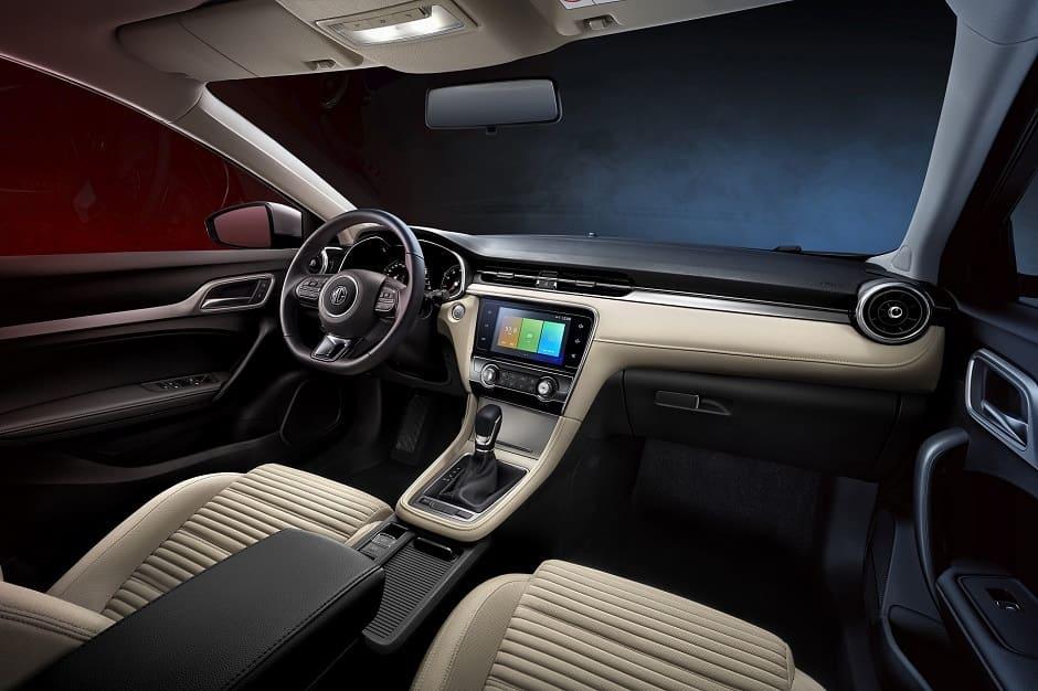 داخلية سيارة MG6 2019