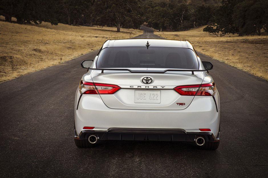 2018 Toyota Camry Xse V6 >> إطلاق سيارتي تويوتا كامري TRD و تويوتا افالون TRD 2020 ...