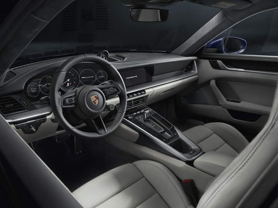 مقود بورش 911 2020
