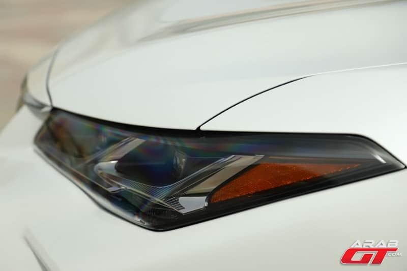 سيارة تويوتا افالون