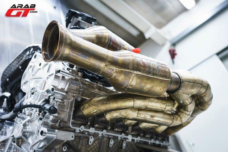 محرك سيارة سباق