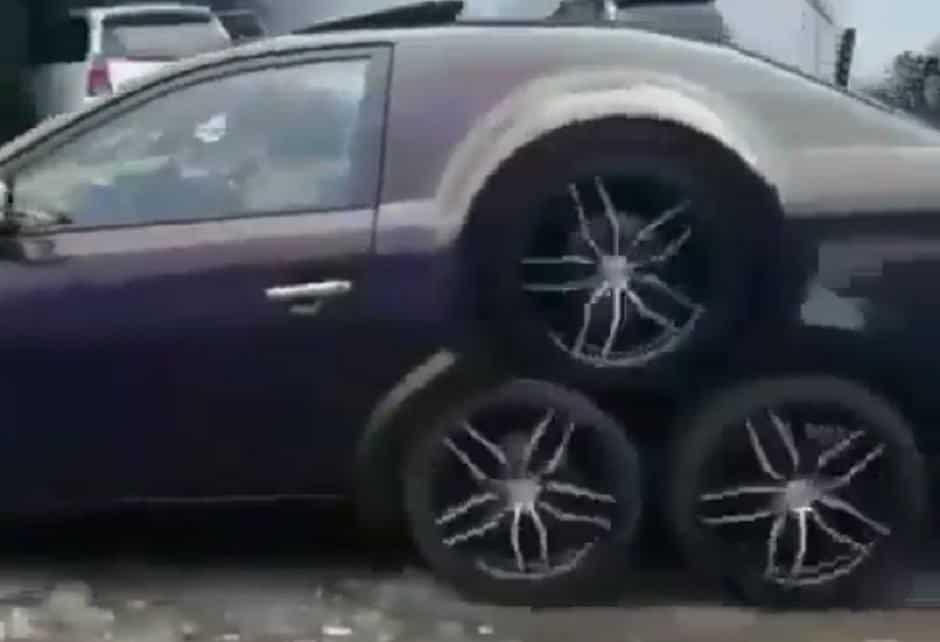 سيارة تويوتا معدلة