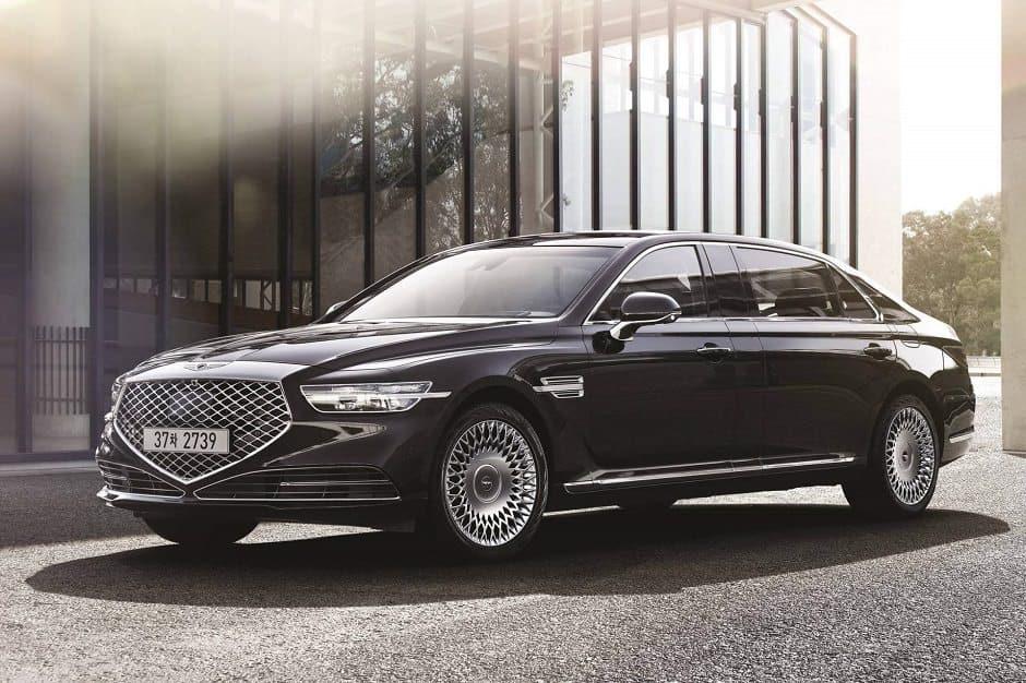 2020-genesis-g90-limousine