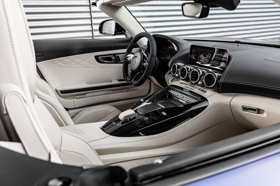 داخلية مرسيدس AMG GTR كشف 2020