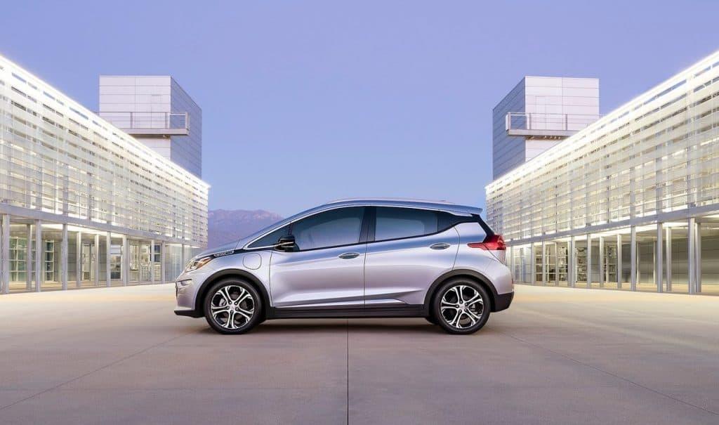 مقارنة السيارات الكهربائية