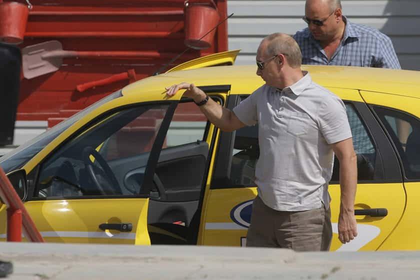 سيارة ملياردير فلاديمير بوتين