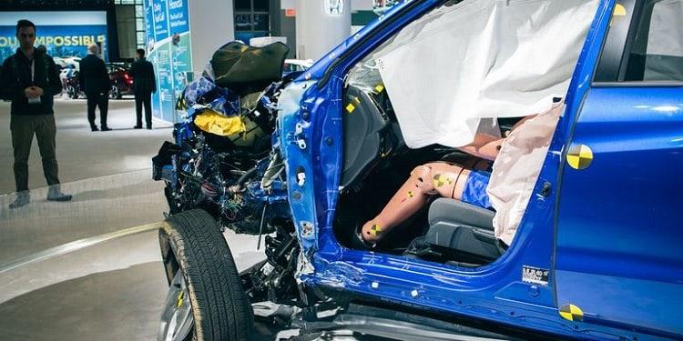سيارة هوندا محطمة في معرض نيويورك