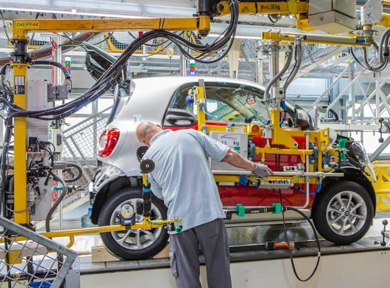 صناعة سيارات سمارت