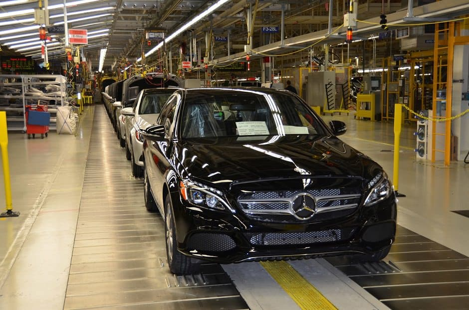 مصنع سيارات مرسيدس