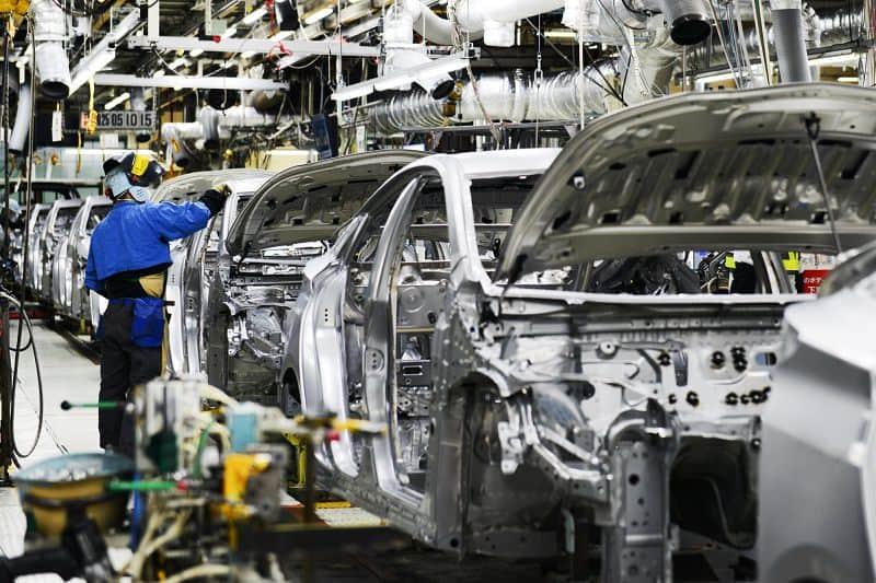 تصنيع سيارة مازدا