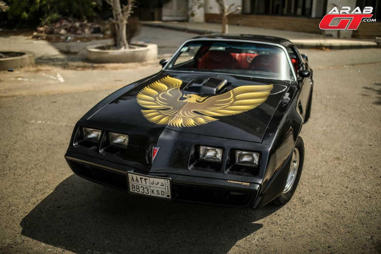 سيارة امريكية قديمة