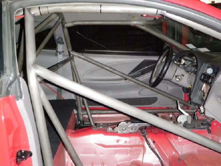 قفص الحماية لسيارات السباق