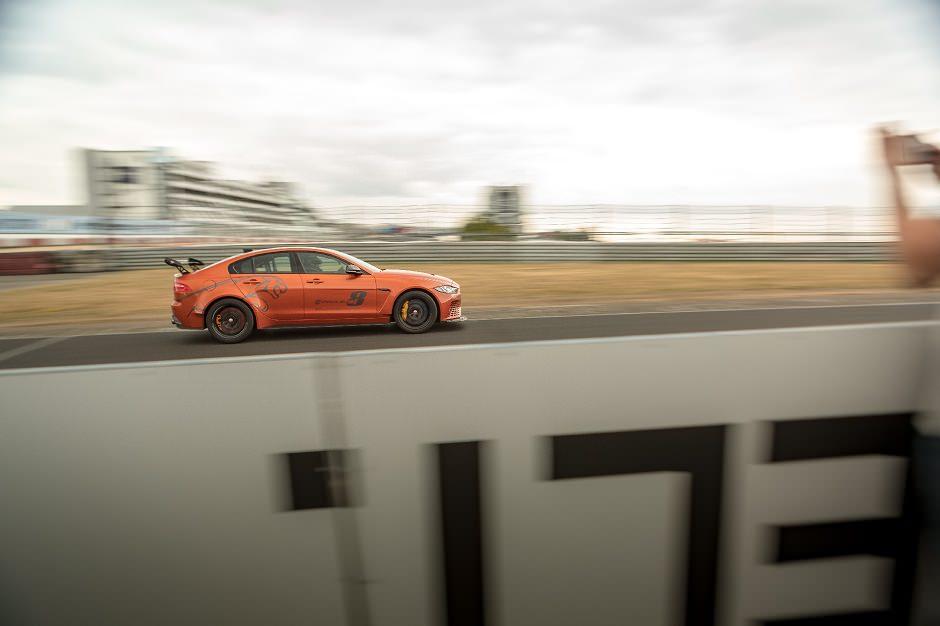 أسرع سيارة صالون في العالم