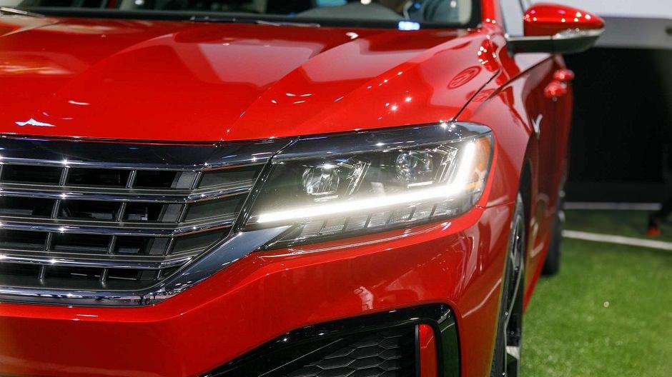 اضواء سيارة باسات 2020