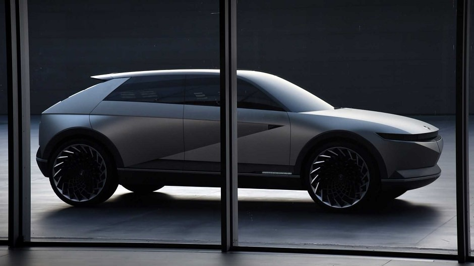 سيارة هونداي جديدة
