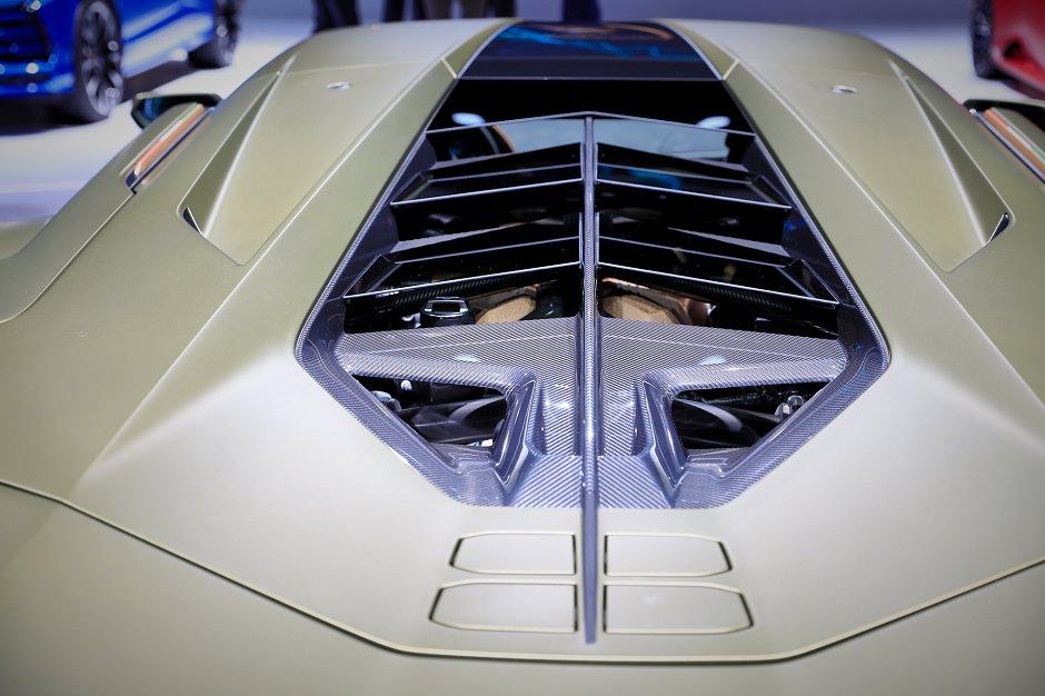 محرك لامبورجيني 2020