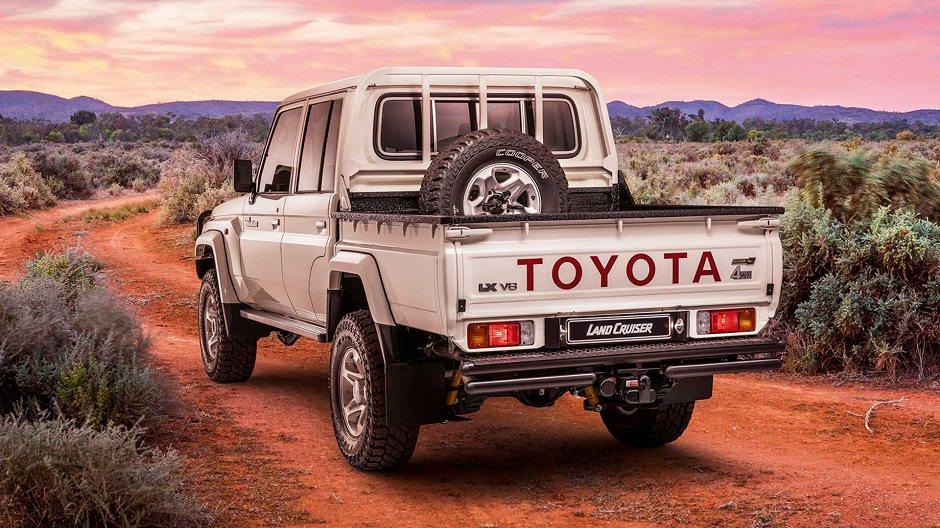 toyota-land-cruiser-namib