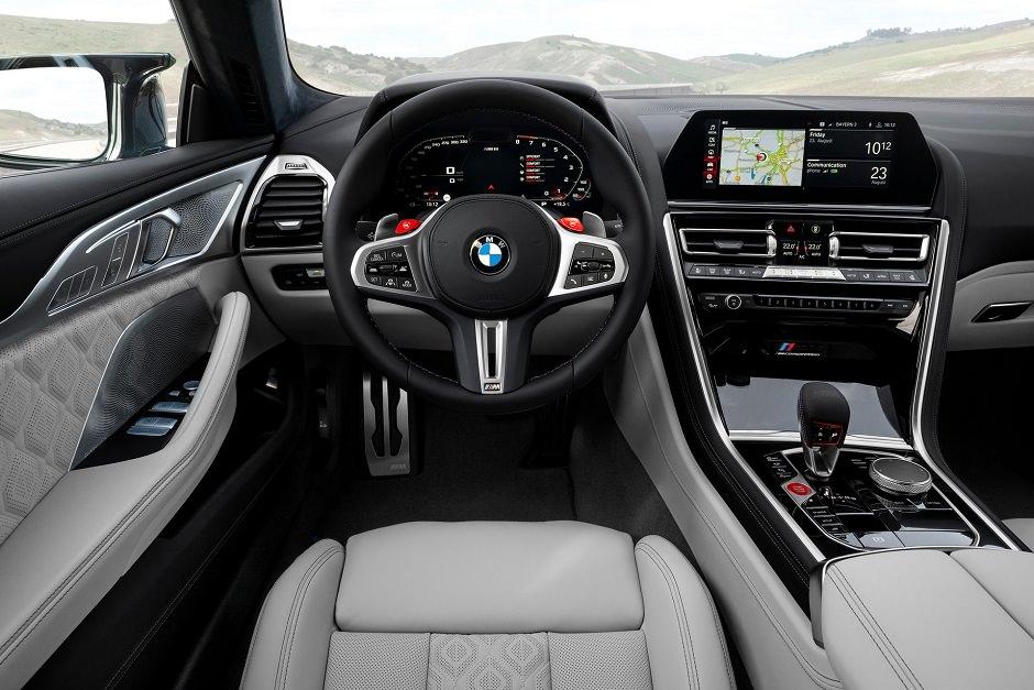 داخلية BMW M8 جران كوبيه