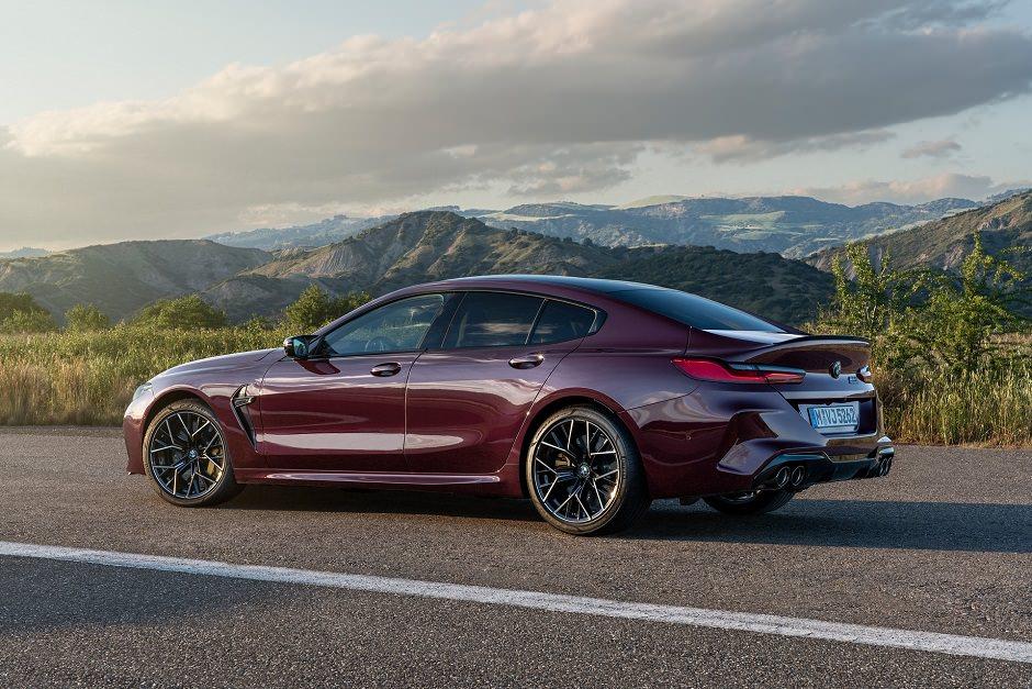 سيارة BMW M8 جران كوبيه