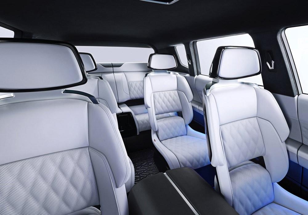 ميتسوبيشي باجيرو الجديدة - داخلية سيارة تجريبية
