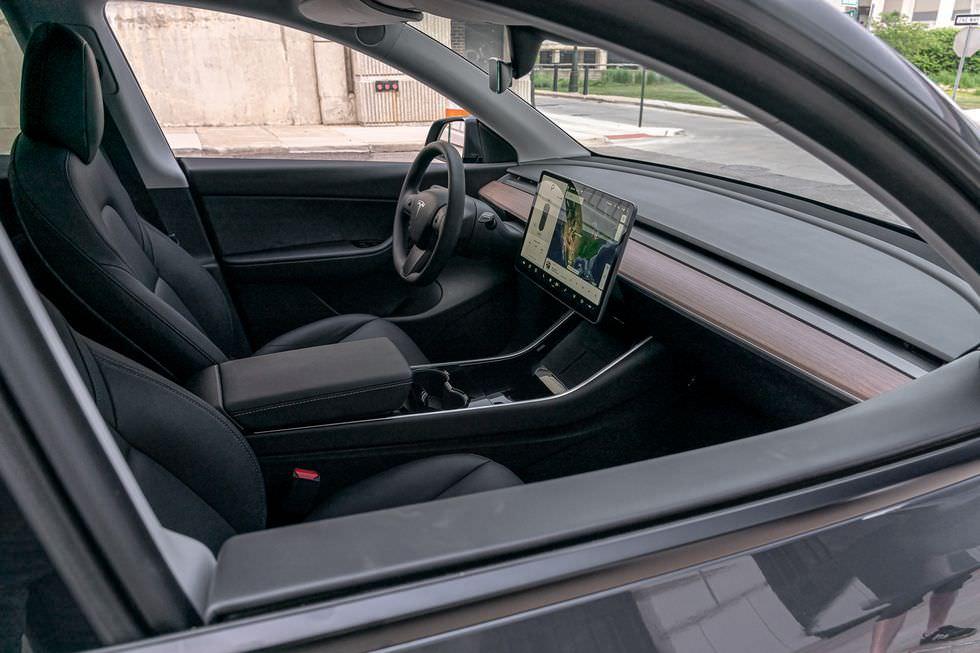 سيارة تيسلا موديل واي (11)