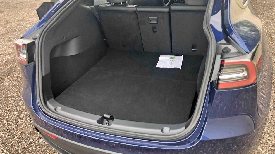 سيارة تيسلا موديل واي (5)