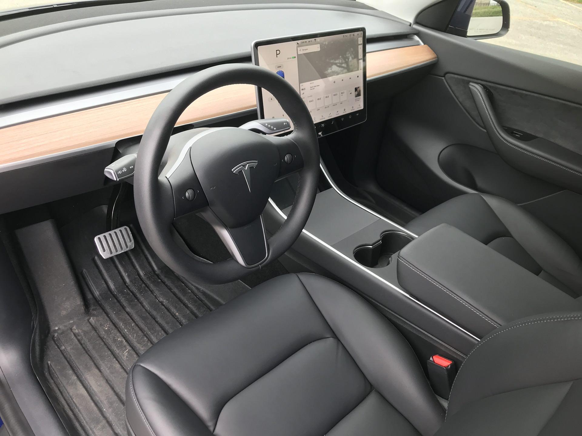 سيارة تيسلا موديل واي (9)