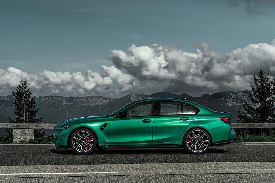صور سيارة ام 3 الجديدة
