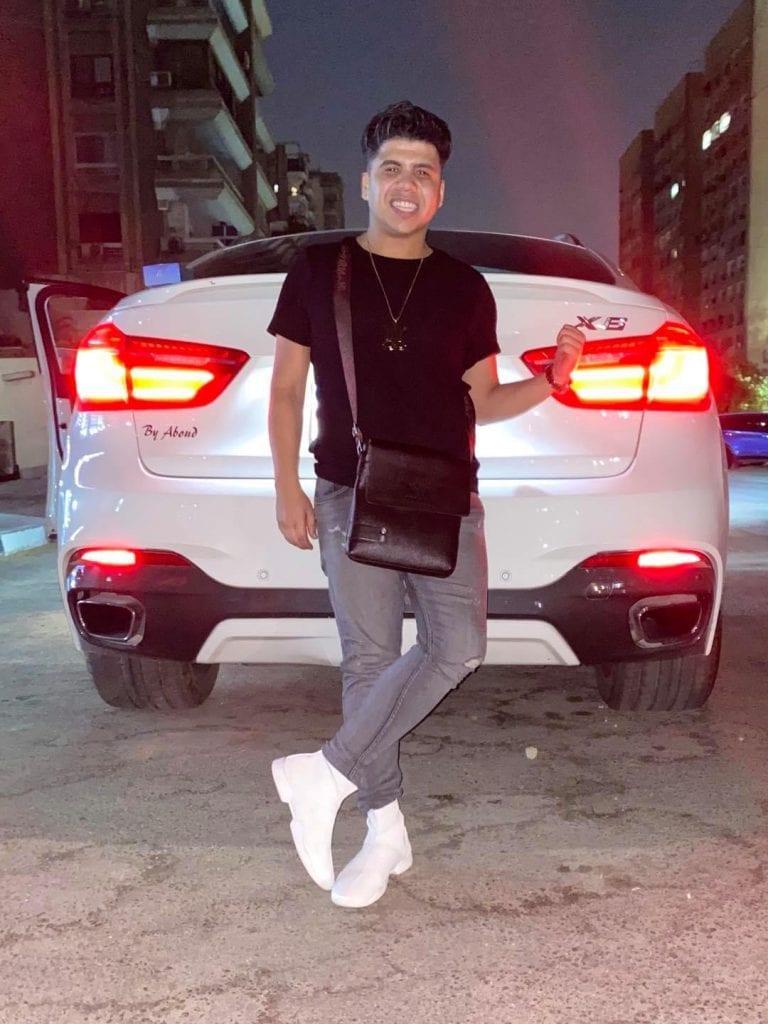 عمر كمال - سيارة بي ام دبليو اكس 6