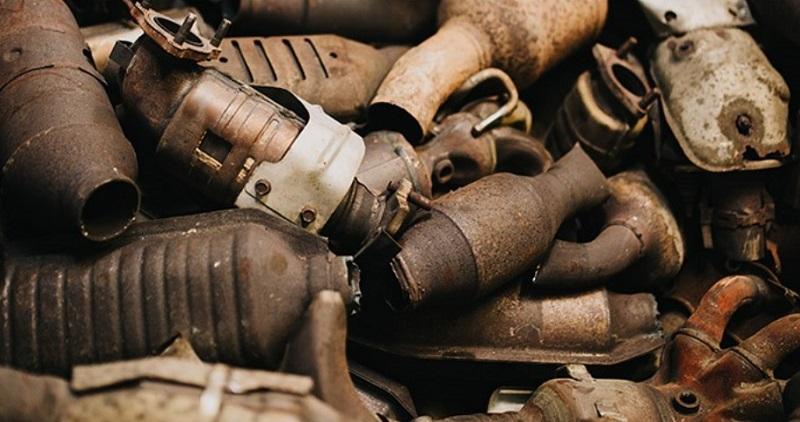 كنز في سيارتك.. ازدهار بيع البلاديوم الموجود في السيارات ...