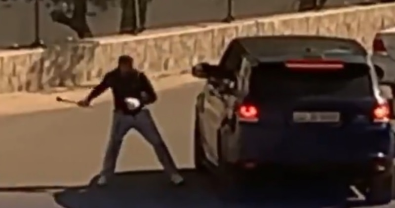 مشاجرة ومحاولة دهس في الكويت وهذا ما فعلته الشرطة | ArabGT