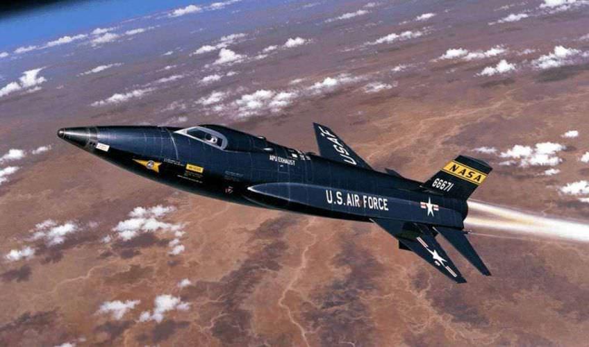 أسرع الطائرات الصاروخية